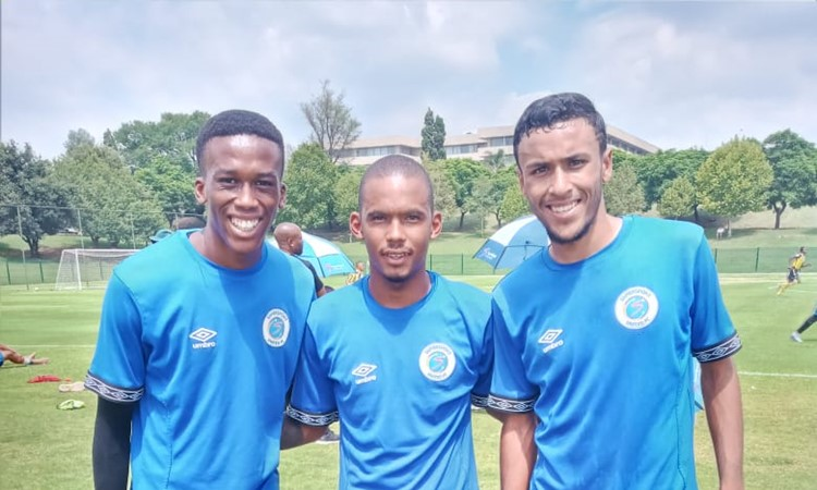 Academy MDC boys train with first team